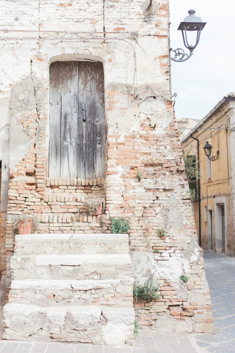 Beautiful door in Chieuti Italy